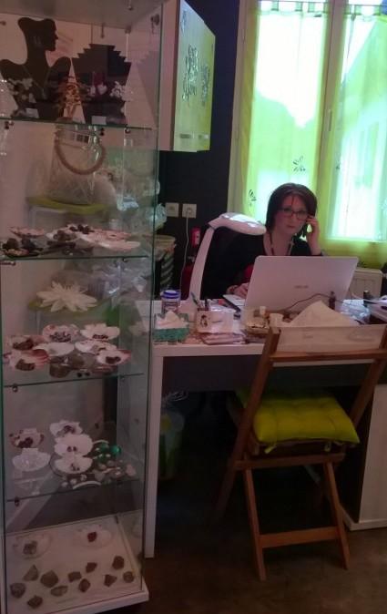 Nathalie en consultation Lithothérapie par téléphone