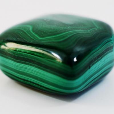 Malachite 2 à 3cm pierres roulées (vendu à l'unité)