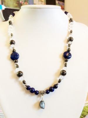 COLLIER SPECIAL DOULEUR et ANTI-STRESS (cristal de roche, Magnetite pierre d'aimant, hématite, lapis lazuli)