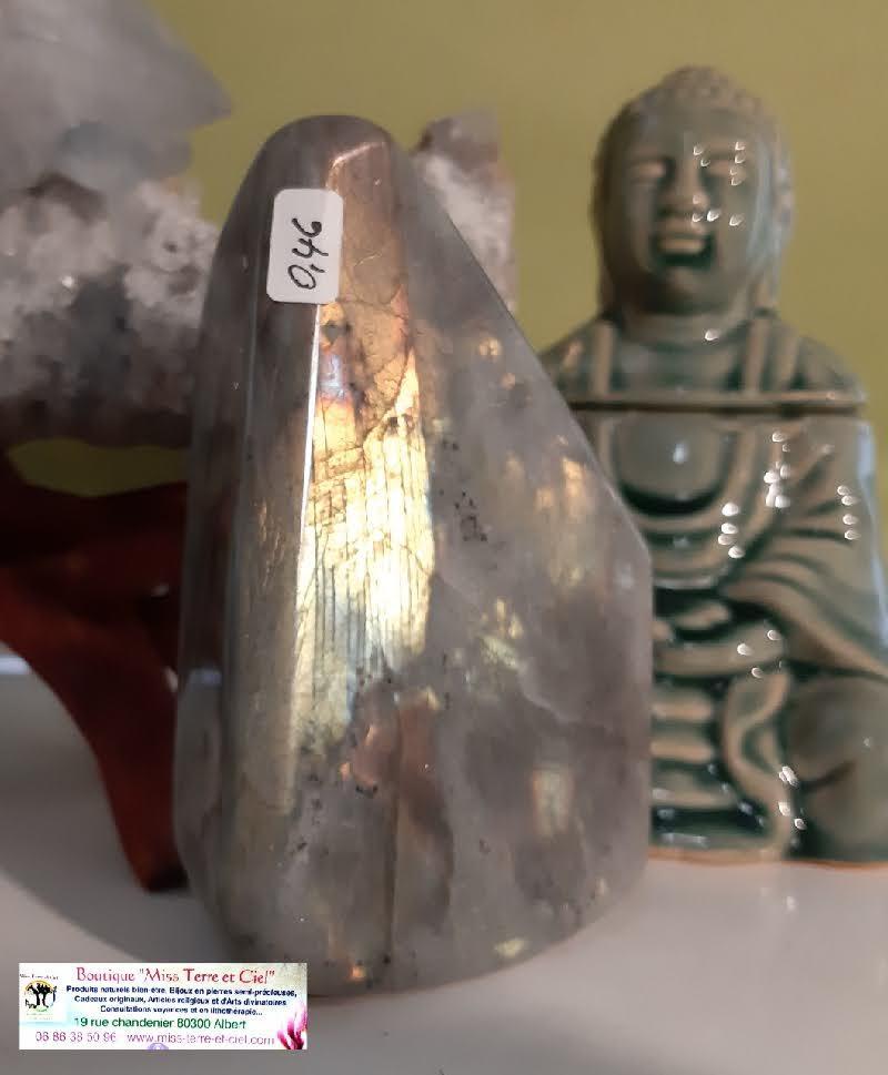 Labradorite mystic shine boutique pierres mineraux essens huile essentielle esoterique spirituelle soin energetique miss terre et ciel albert