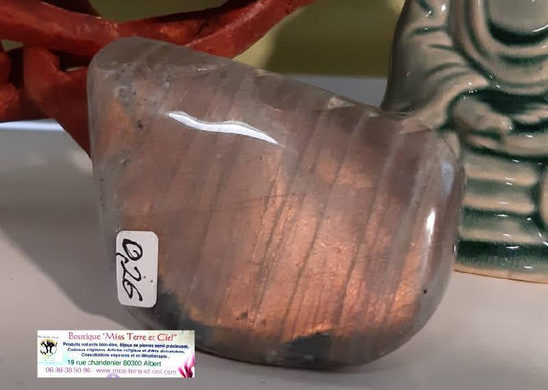 Labradorite mystique shine 3 boutique pierres mineraux essens huile essentielle esoterique spirituelle soin energetique miss terre et ciel albert