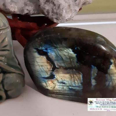 LABRADORITE pierre brute de 590gr
