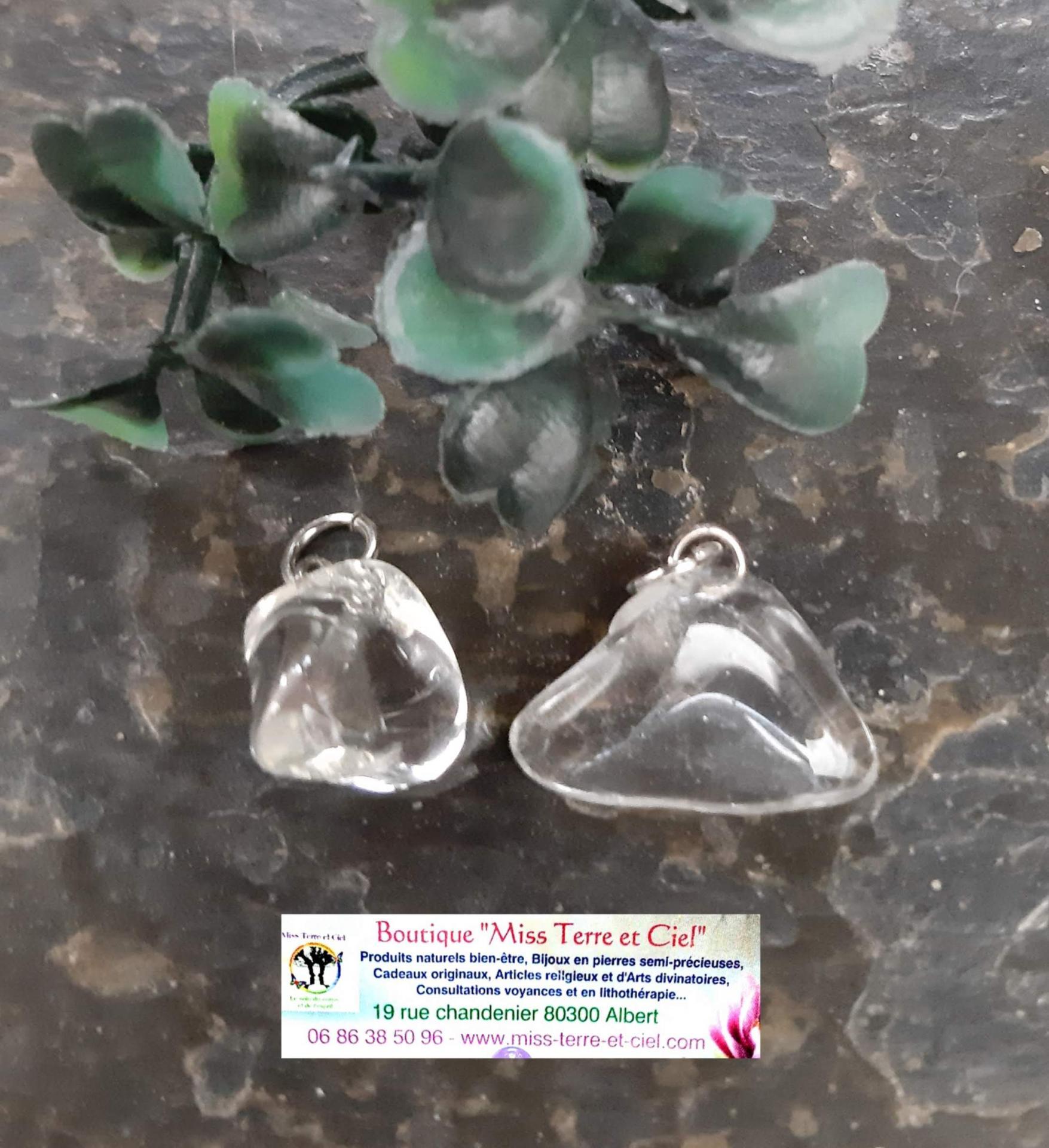 Pendentif en cristal de roche pierres roulees