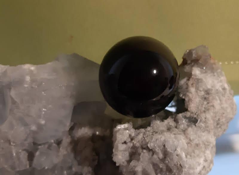 Sphere obsidienne