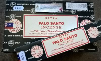 ENCENS PALO SANTO (20 BATONS) POUR PURIFIER VOS PIERRES ET BIJOUX